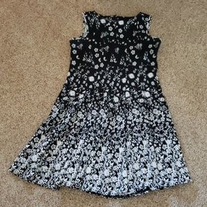 Black &White Sleeveless Dress